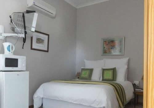 Kalahari Sands   Askham     Bed and Breakfast   Accommodation   Northern Cape   Green Kalahari