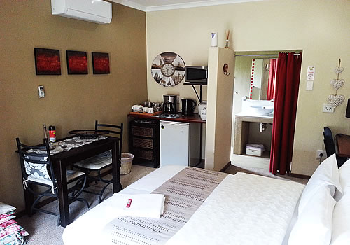Orange Apple Guest Lodge | Upington Accommodation | Northern Cape Accommodation